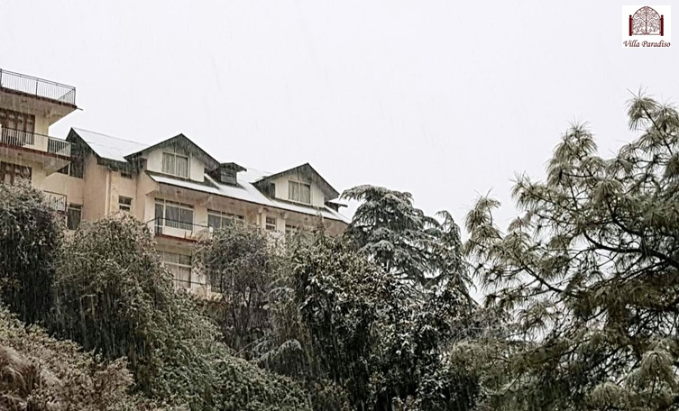 Snow at Villa Paradiso Hotel.